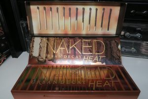Urban Decay -Naked Heat - all packaging